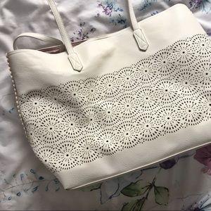 Handbags - EUC! Large White Tote